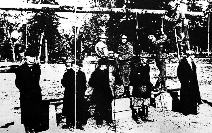 ΣΦΑΓΗ ΔΙΣΤΟΜΟΥ- Ο ανώτερος αξιωματικός της επιχείρησης, ο ανθυπολοχαγός των Ες Ες, Χανς Ζάμπελ, συνελήφθη στο Παρίσι και εκδόθηκε από τις Γαλλικές αρχές στην Ελλάδα για το έγκλημα του Διστόμου. Ενώ όμως ήταν προφυλακισμένος και επρόκειτο να προσαχθεί σε δίκη, το ελληνικό μετεμφυλιακό κράτος το 1949 τον παρέδωσε στην Κυβέρνηση της τότε Δ. Γερμανίας που είχε ζητήσει την έκδοσή του για άλλη υπόθεση, όπου σύμφωνα με πληροφορίες παραμένει ίσως μέχρι και σήμερα ελεύθερος…