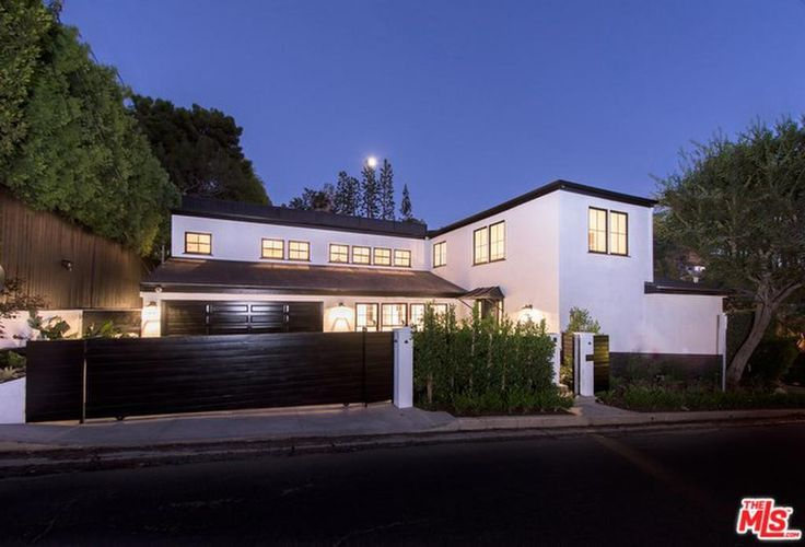1506 N Doheny Dr, Los Angeles (City) Property Listing: MLS® #16171170 | Nook Real Estate | Search with Style | Cape Cod