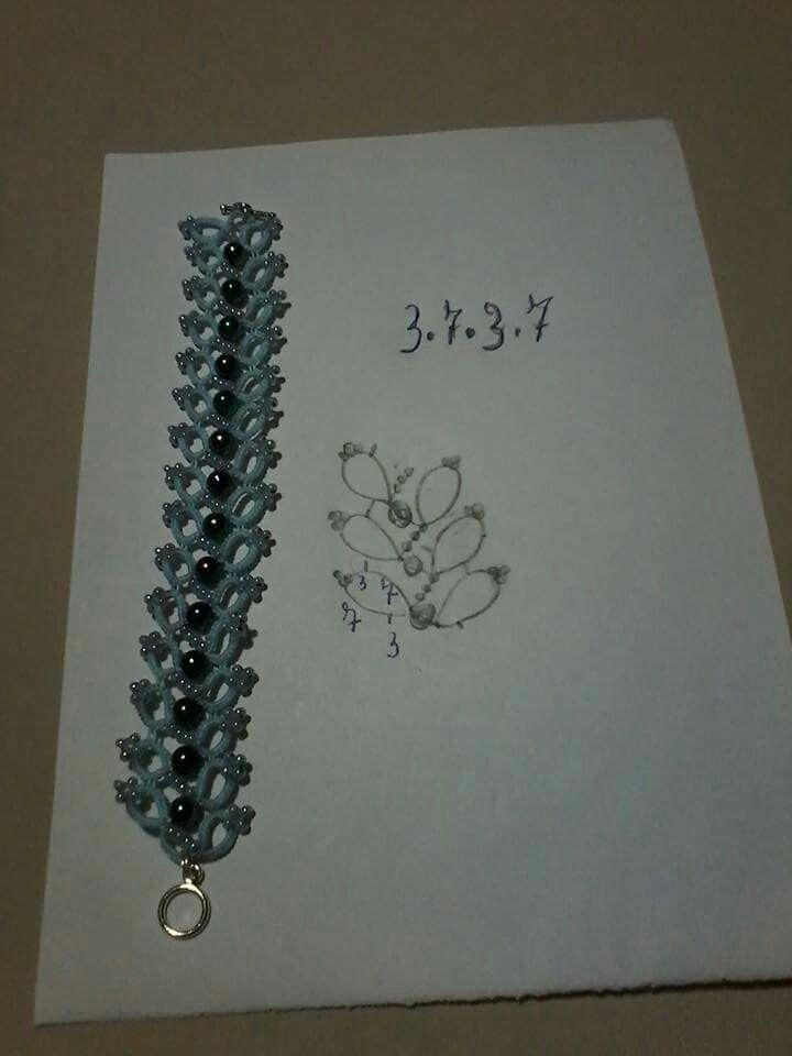 Tatted bracelet pattern