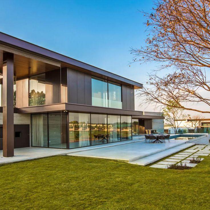 Fazenda Boa Vista Architecture Design by Fernanda Marques Arquitetos Associados