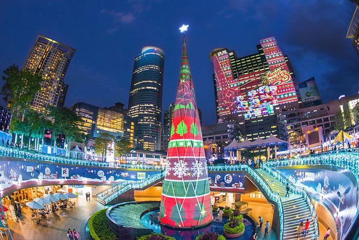 1月2日といったら日本では正月ですが、台湾ではまだまだクリスマス気分。新北市政府ビルの前では大規模なXmasイベントが見れちゃうので紹介します。