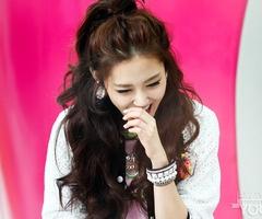 Casual half-updo  heo Ga Yoon