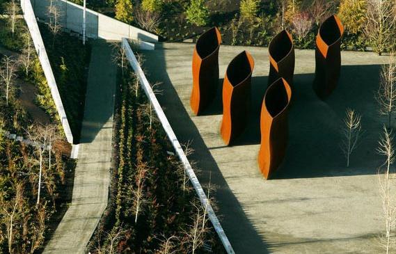 Richard Serra's 'Wake Corten Steel sculptures' in Seattle's Olympic Sculpture Park