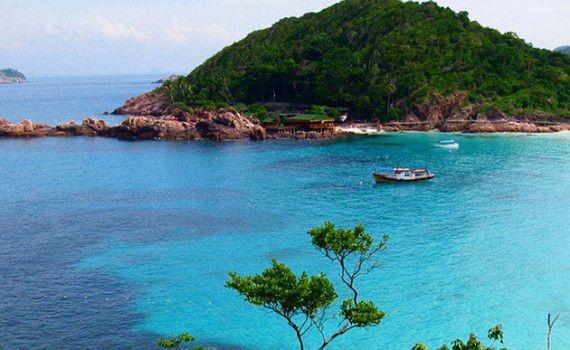 Mersing to Tioman Island. Take a Ferry to Tioman Island, Malaysia http://www.sandspice.com/mersing-tioman-island/ #Malaysia #Ferry #Tioman