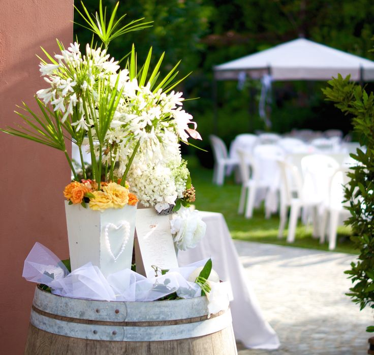 Wedding receptions in a summer garden...Tasty Tuscan food, fun and elegant decorations for a special day #weddingreception #summergarden #tuscanfood