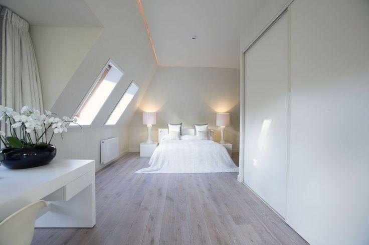 Slaapkamer met houten vloer - Martijn de Wit houten vloeren