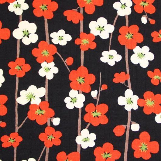 Tissus japonais, Tissu japonais, fleurs, prune, noir est une création orginale de Alleco sur DaWanda