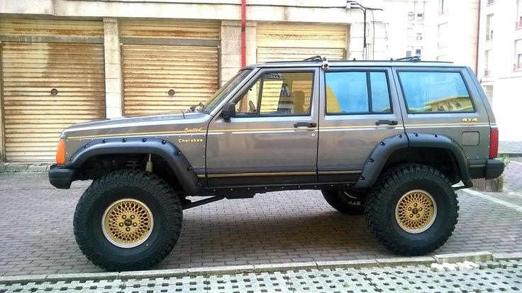 Cherokee limited 1990 on 35s