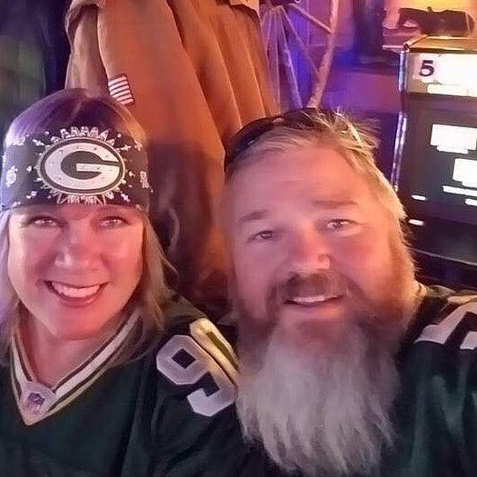 I make amazing team bandanas and stretchy headbands you can get bandanas with a no tie option in back FREE SHIPPING www.GoBrazen.com.  #chicagoblackhawks #philadelphiaeagles #raiders #chicagobears #gopackgo #vikings #skol #minnesota #gophers #superbowl #superbowl51 #nygiants #nfl #mnwild #patriots #steelers #cowboysnation #rams #denverbroncos #broncos #texans #newenglandpatriots #gobrazen #raiders #seahawks #chiefs #49ers #detroitlions #saints #atlantafalcons #cardinalsnation