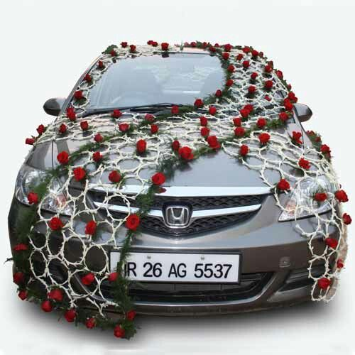 Cheap Wedding Transportation Ideas: Wedding Car Decoration