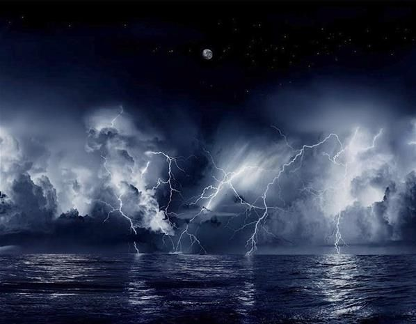 At Venezuela's Catatumbo River more than half the nights are filled with an electrical storm so intense that its high voltage arch flashes three miles into the sky and is visible from 250 miles away (making it a handy navigation ally for sailors). Considered the single biggest creator of ozone in the planet, this seemingly endless cloud-to-cloud storm lights up the skies for up to 10 hours at a time and is estimated to have 1.1 million electrical discharges every year.