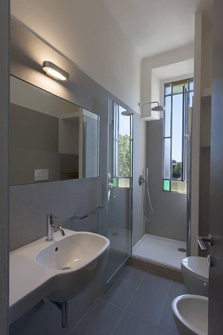 bagno: Bagno in stile in stile Moderno di Tommaso Giunchi Architect