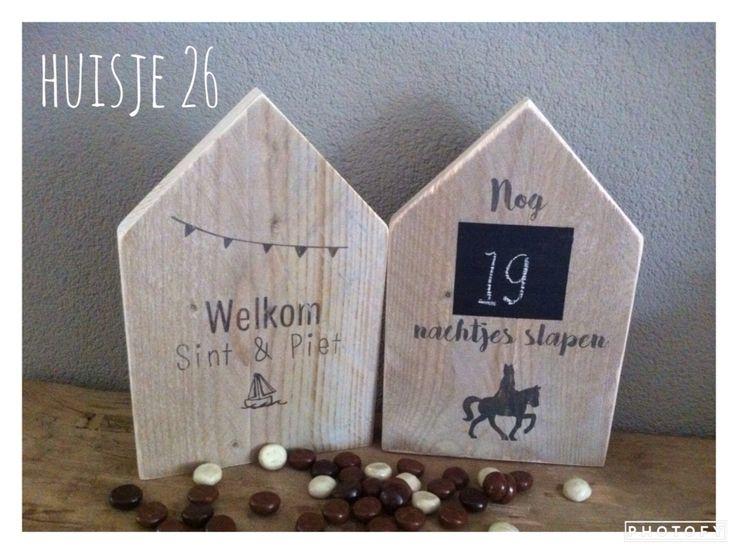 Steigerhouten huisjes  Sint en Piet te gebruiken als aftelkalender