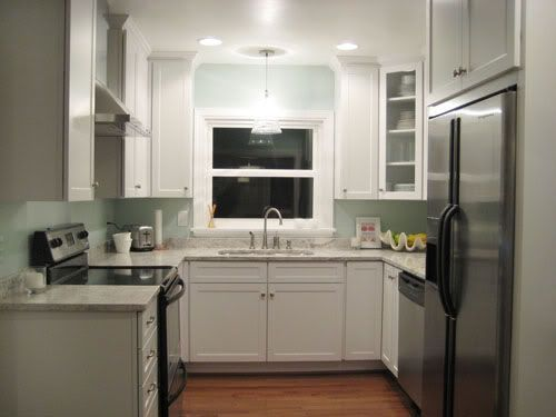Best 25 small u shaped kitchens ideas on pinterest u for Tiny u shaped kitchen ideas