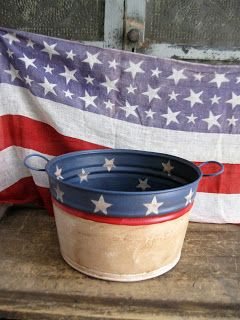 Americana. Love the bucket.