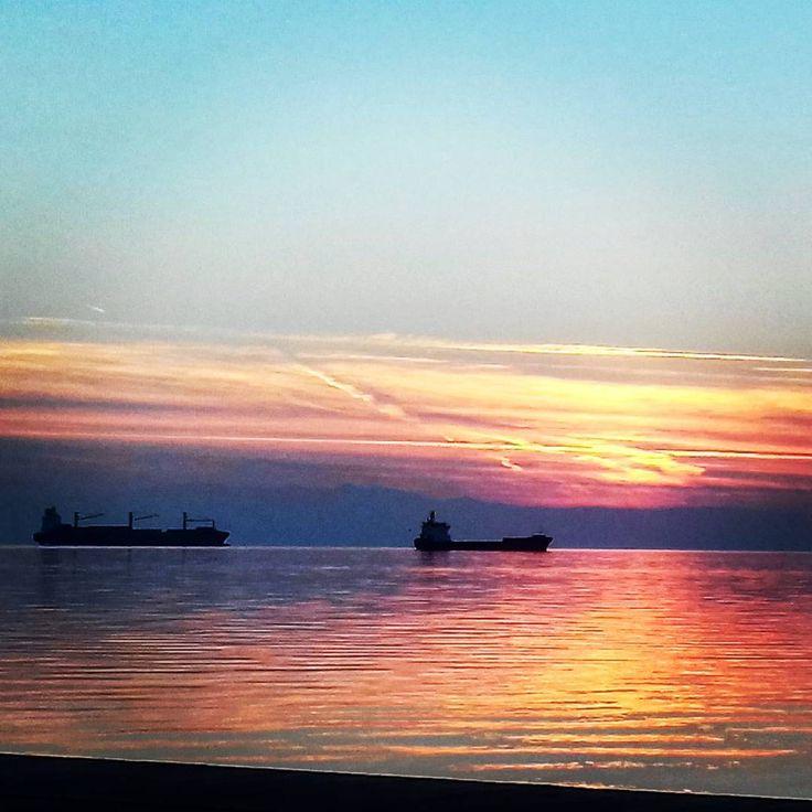 Sunset in Thessaloniki   #EleniS #photooftheday #potd #pickoftheday #sunset #fun #instamood #instalove #instagood #instalike #sun #thessaloniki #greece #friends