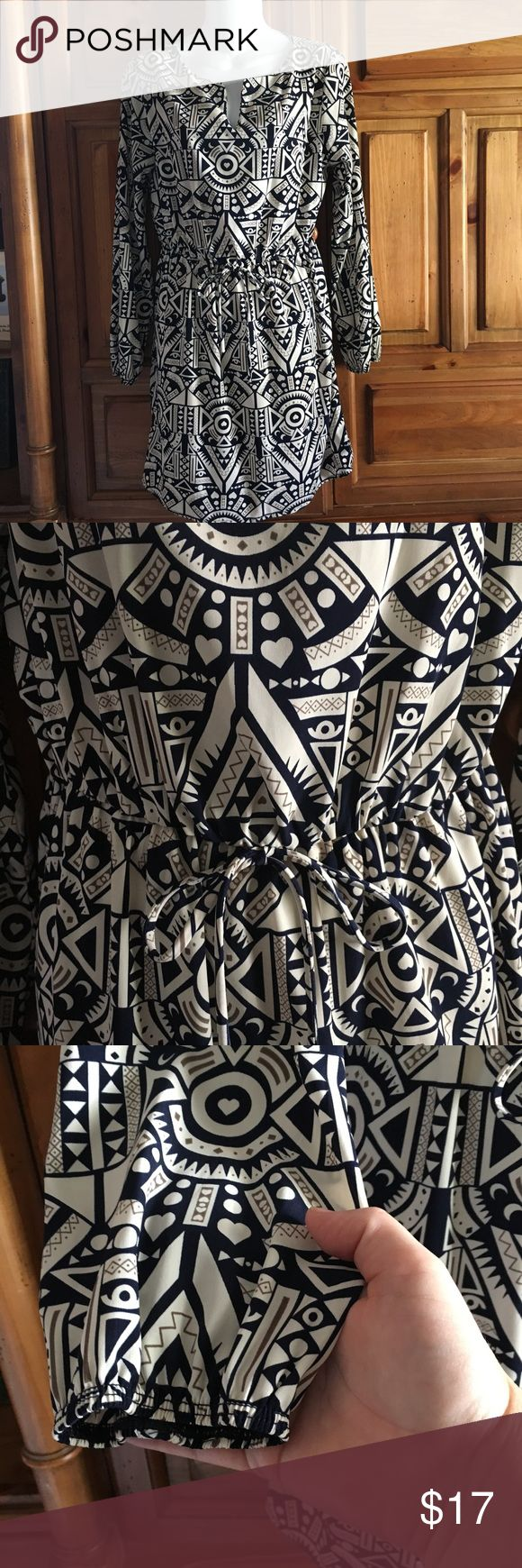 "Peppermint Boutique Brand Aztec Dress Large L This is a long sleeve dress from the brand Peppermint which is a boutique brand. It is a size Large with an  Aztec Print.  It has a drawstring waist. Great for the upcoming fall.   Pit to Pit: 20"" Length: 33"" Peppermint Dresses Midi"