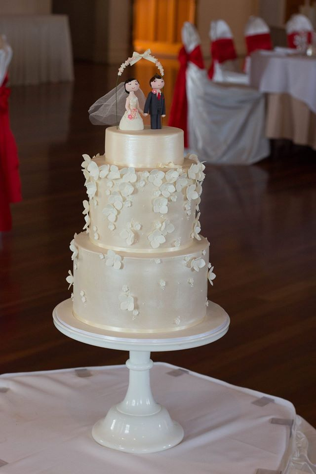 Vicky and Gary custom made Bride & Groom toppers by the Cake Arcade | Eschol Park House