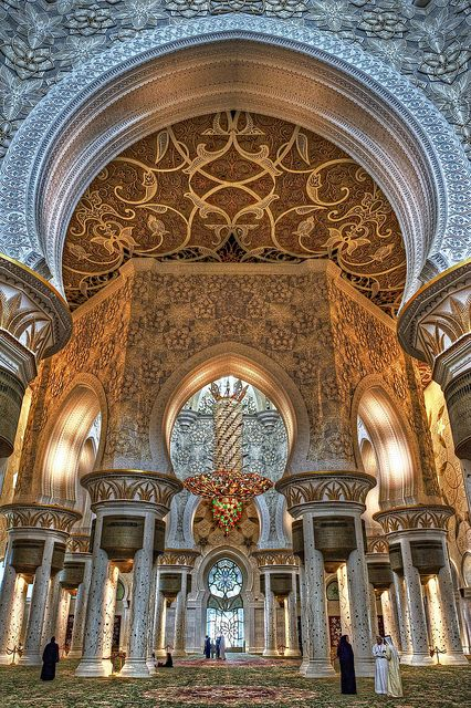 Inside of the Sheikh Zayed Grand Mosque in Abu Dhabi, UAE.  Photo: JRaptor via Flickr