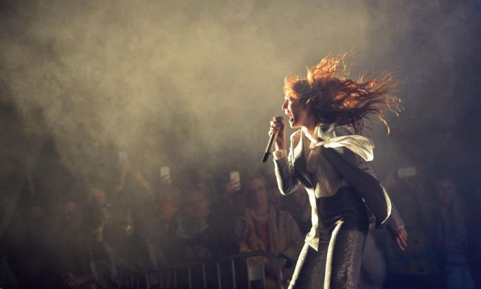 Florence + the Machine at Glastonbury 2015 review – infectious enthusiasm | Music | The Guardian