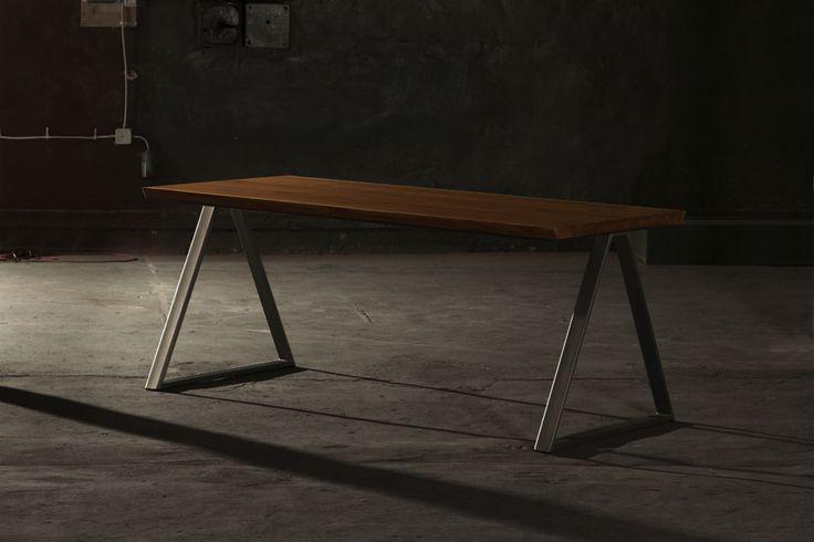 Table Thales Moromou
