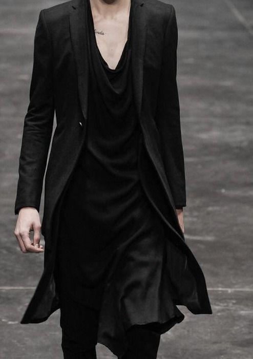 otherworldlyfashion:  ampersand-et:  julius aw12.  Suit  Robes.