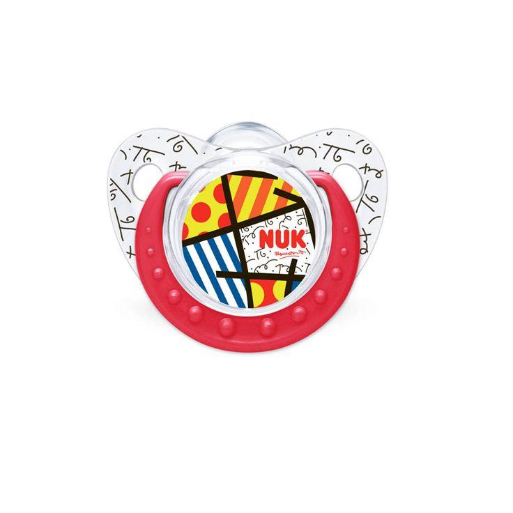 """Chupos Nuk  para bebes, hecho con plásticos sintéticos de alta calidad y """"tetina"""" de Silicona.  Formato ortodóntico promueve el desarrollo de la cavidad bucal.  Imita la forma del pezón durante el amamantamiento.  Canal integrado de circulacion. Evita que la saliva se acumule en la boca. TAlla 2:  6 - 12  meses $15900"""