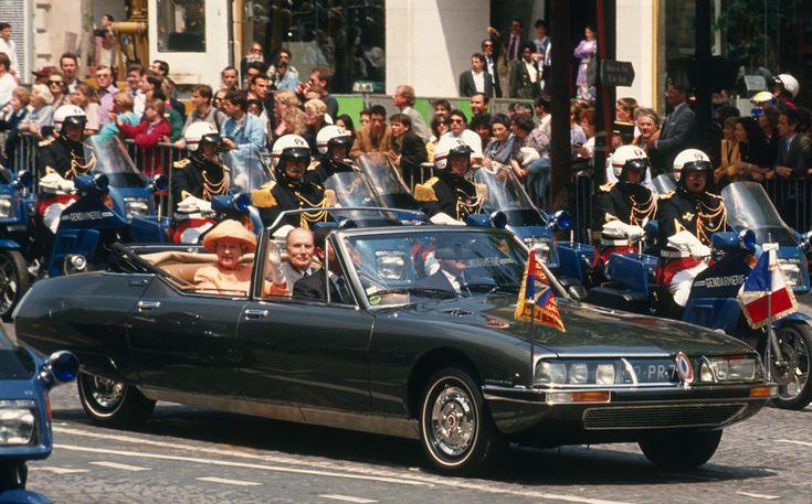 François Mitterrand (utilisant pour les parades officielles et les visites de chef d'État la SM présidentielle)