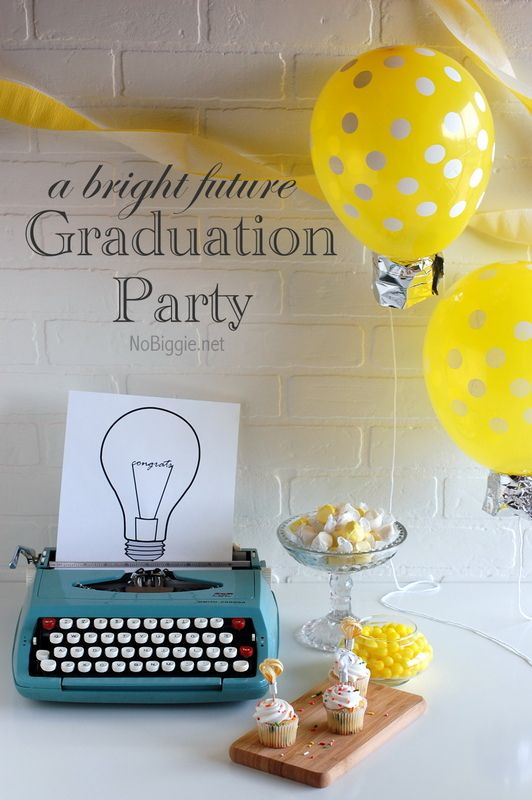 A bright idea for a #graduation_party!  These light bulb theme party ideas are fun and our #polka_dot latex #balloons would work perfectly for creating the balloon decor!