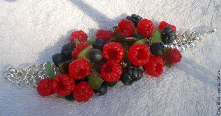 Купить Браслет Реалистичные лесные ягоды. - ярко-красный, браслет с ягодами, бижутерия с ягодами