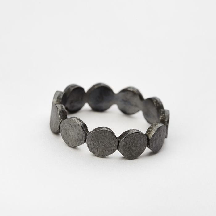 Nougat: PERNILLE CORYDON - Sormus small Multi Coin musta