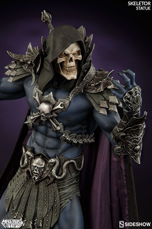 The Skeletor Statue is ready to be crowned master of the universe, with two distinct looks for He-Man's arch-enemy. Standing 21 1/2-inches tall with a base that resembles a coiled snake, Skeletor stands with his havoc staff at the ready, prepared to fight He-Man once again in an attempt to gain c