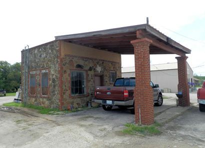 Brownwood Tx - Old Gas Station