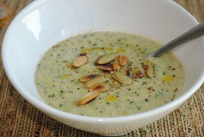 Cuketová polievka je trochu nezvyčajká. No určite je ďalšia do našej zbierky receptov.
