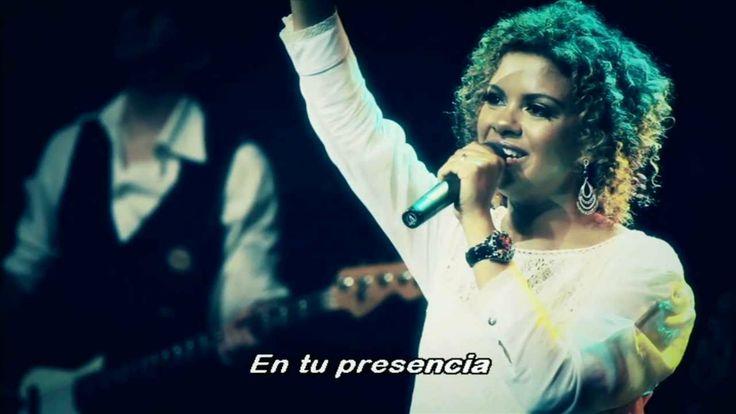 Nívea Soares - En Tu Presencia Sehr pfingstlerisch, aber schöne Musik. Nivea Soares singt portugiesisch und ist aus Brasilien. Weitere Infos gibt es bald unter www.christliche-musik-blog.de