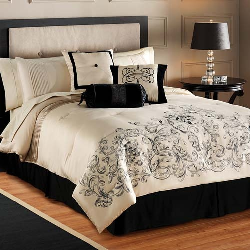 Cream And Black Bedroom Decorating Ideas Bedroom Furniture Latest Designs Bedroom Sets Gray Paris Bedroom Wall Decor: 95 Best Sleeping Beauty Images On Pinterest