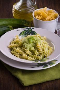 Fusilli con ricotta e zucchine http://www.gustissimo.it/ricette/pasta-verdura/fusilli-con-ricotta-e-zucchine.htm