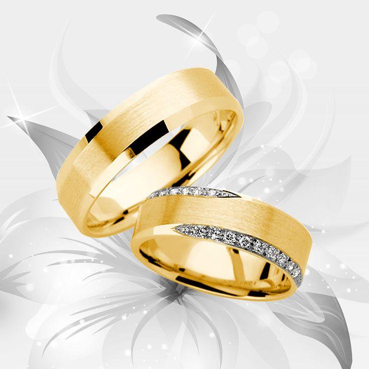 cincin kawin pastinya akan selalu digunakan setelah pasangan menikah, namun untuk hal itu butuh perawatan yang tepat termasuk cara membersihkannya