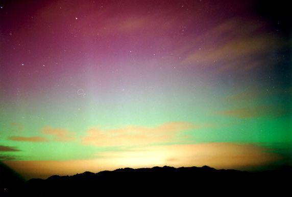 Aurora austral em Wellington, Nova Zelândia.