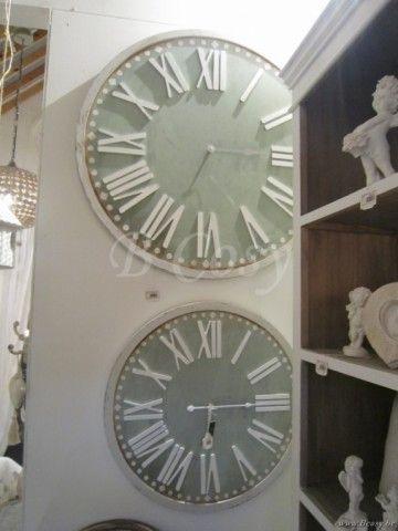 """J-Line Groene ronde houten wandklok groen-wit hout ø80 <span style=""""font-size: 0.01pt;"""">Jline-by-Jolipa-60947-wandklok-muurklok-horloge-murale-horloges-murales-klok-klokken-wandklokken-muurklok</span>"""