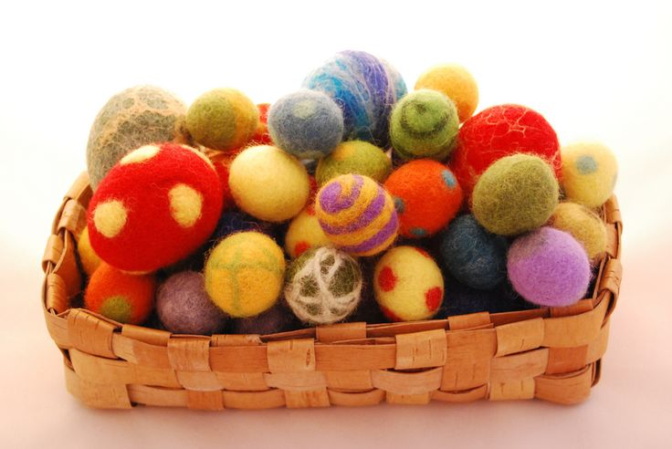 Gorgeous felted Easter eggs from Felt Finland on flickr