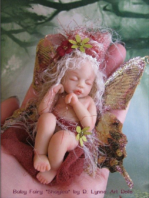 Baby fairy Shaylea by D Lynne Art Dolls. Link to her site for more of her work -> http://dlynneartdolls.blogspot.com/2009/11/baby-fairy-shaylea.html