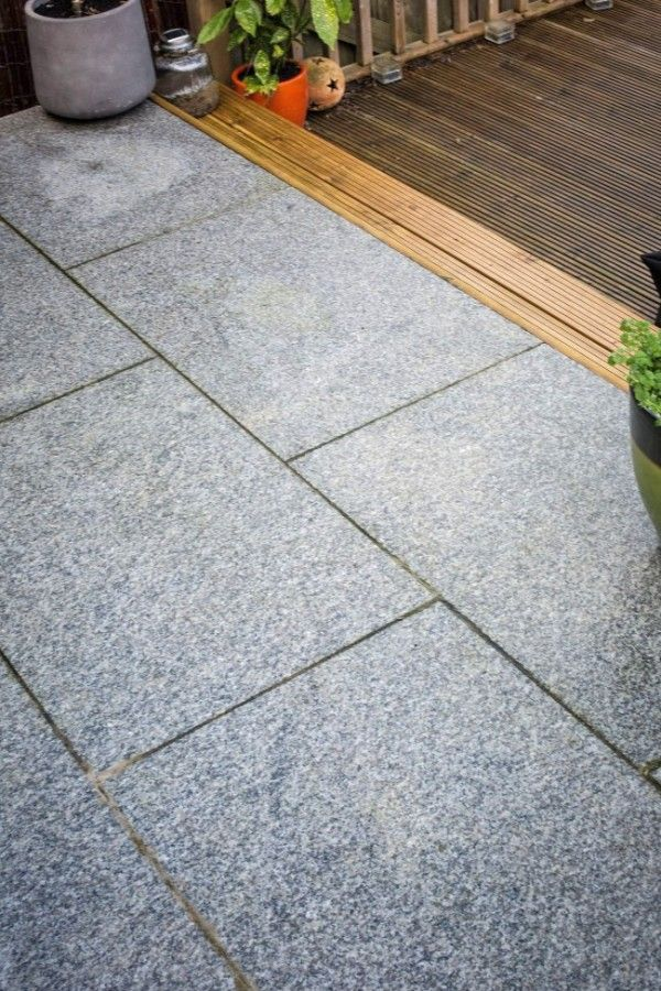 Granite Pavers Are Cool And Beautiful Designs For Gardens Decorifusta In 2020 Granite Paving Patio Slabs Paving Slabs