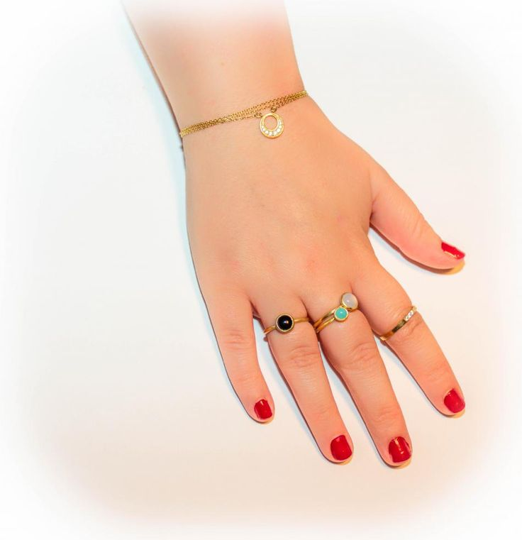 Smykker er bare fantastiske. #hvisk #hviskstyling #hviskstylist #hviskjewellery #hviskbackground #Smykker #jewellery #ringen #fingerring #fingerringe #ring #ringe #rings #sølvforgyldt #sølvforgyldtring #halskæde #halskæder