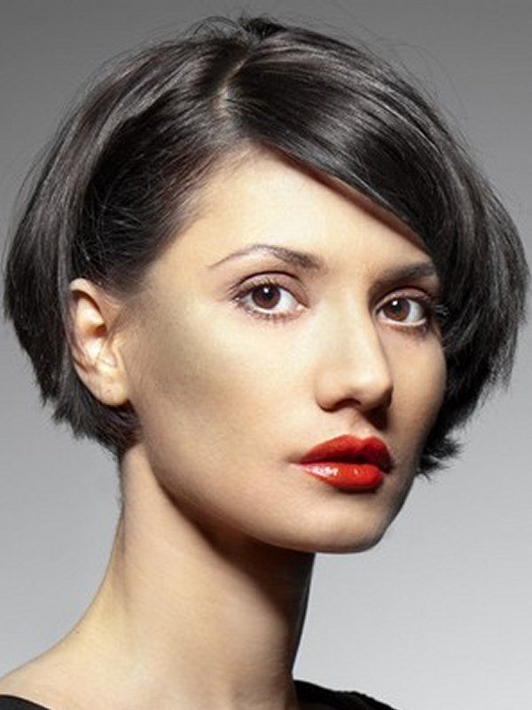 30 short bob hairstyles which will make you heart rob short bob hairstyles with bangs back view 600x800