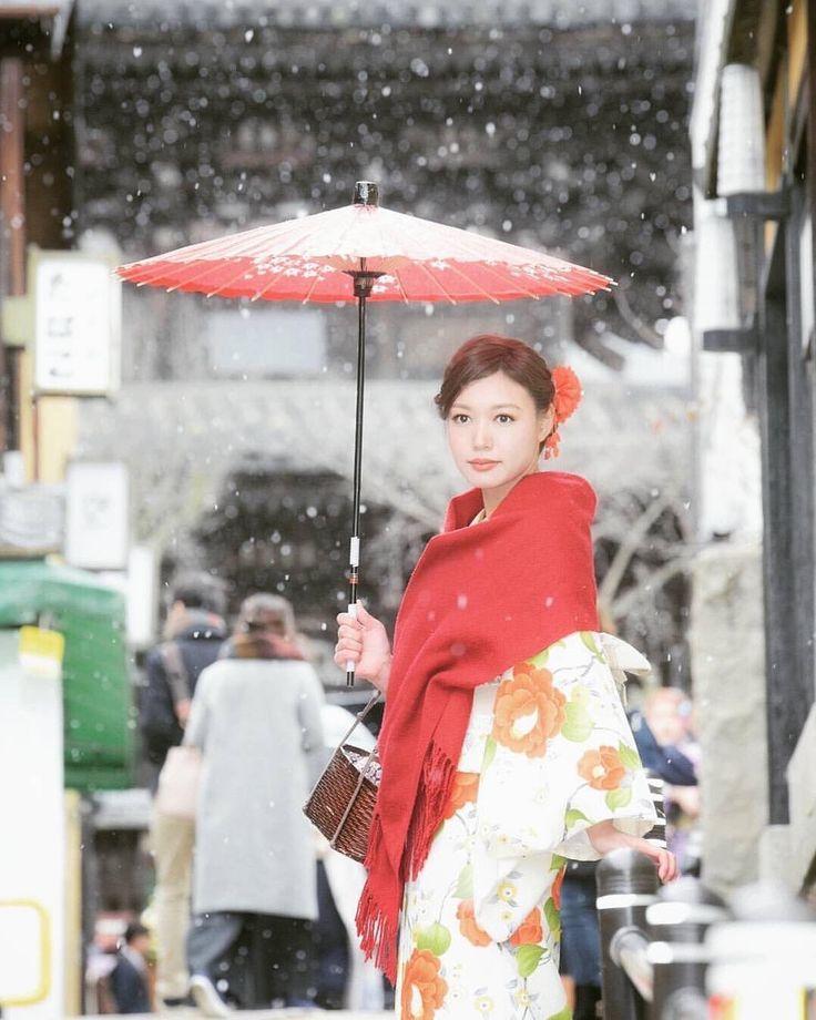 Snowy Chirstmas eve in Kyoto📷 @ui_hii618love …