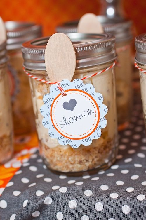 Party Favor Idea: Cheesecake in a Jar (easy and quick to make!) Click through for recipe. #partyfavor #DIY: Party Favors, Showers, Shower Ideas, Diy'S, Baby Shower Favors, Parties Favors, Diy Baby, Mason Jars, Baby Shower