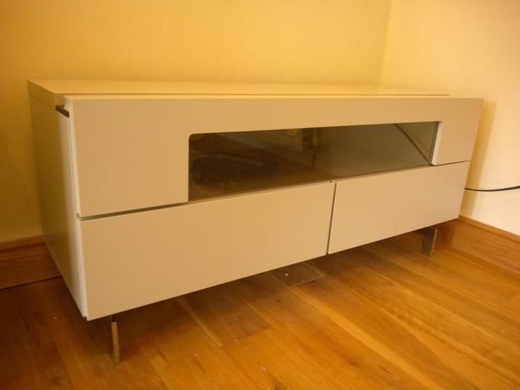 NAT i411 TV stand. 120x42x50cm (on chrome legs). TV stand ...