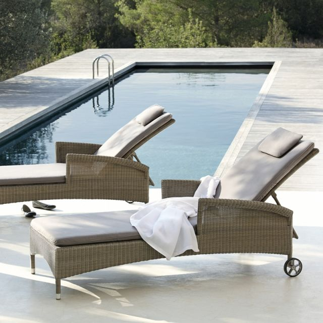 17 meilleures id es propos de chaises longues de piscine. Black Bedroom Furniture Sets. Home Design Ideas