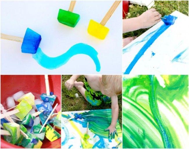 Wasserfarbe und Wasser einfrieren und mit den Eiswürfeln malen